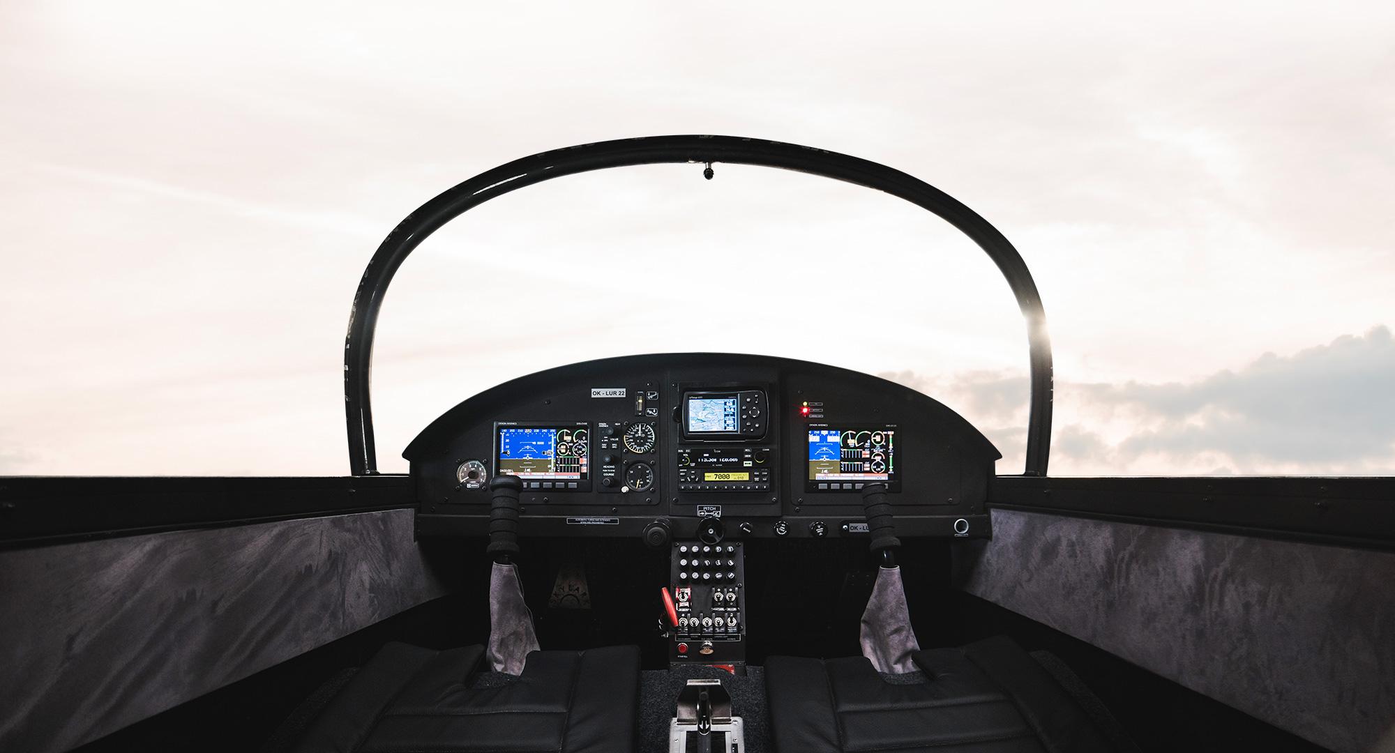 Avionka ultralight letadla DV-1 Skylark