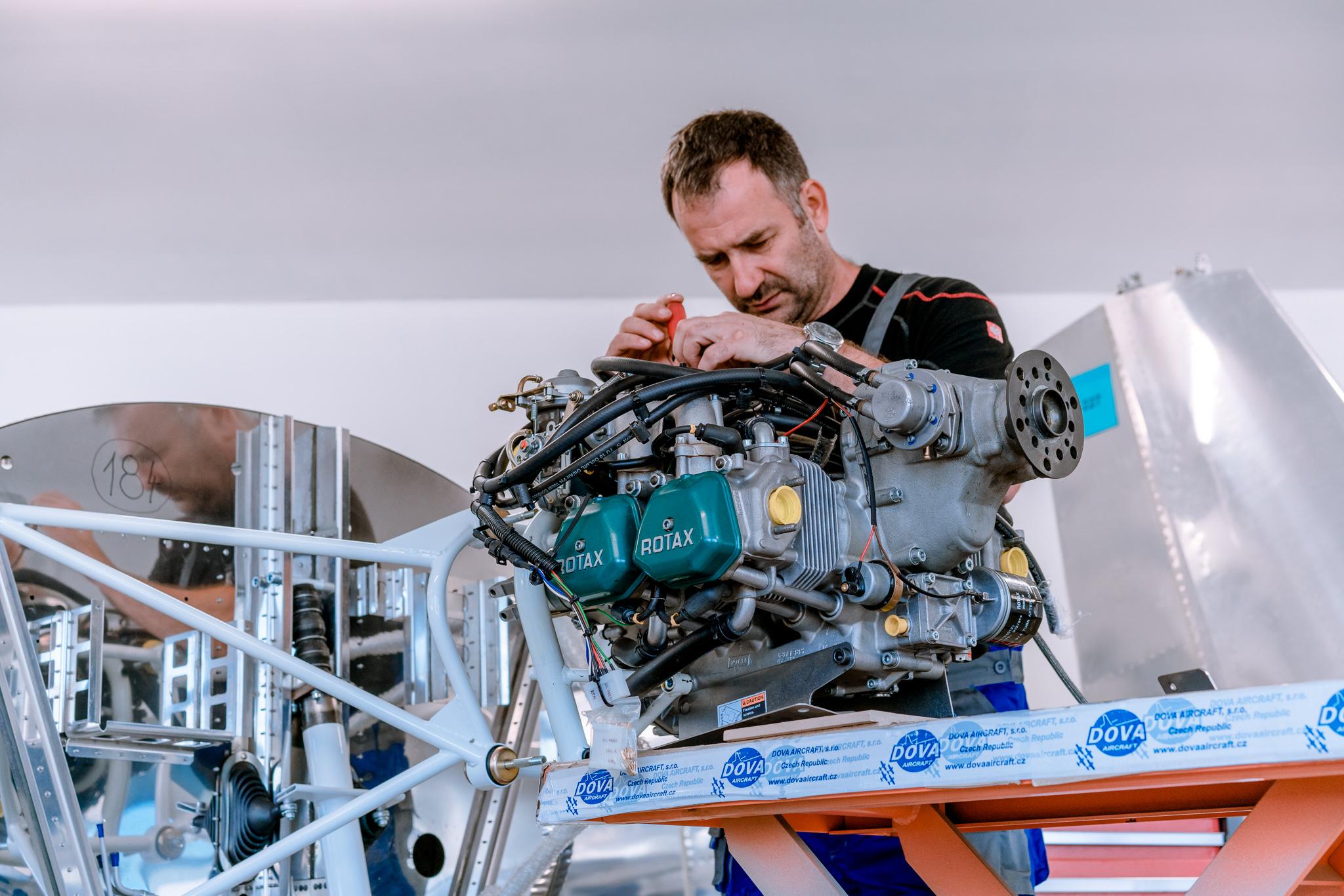 Příprava motoru Rotax pro ultralehké letadlo DV-1 Skylark